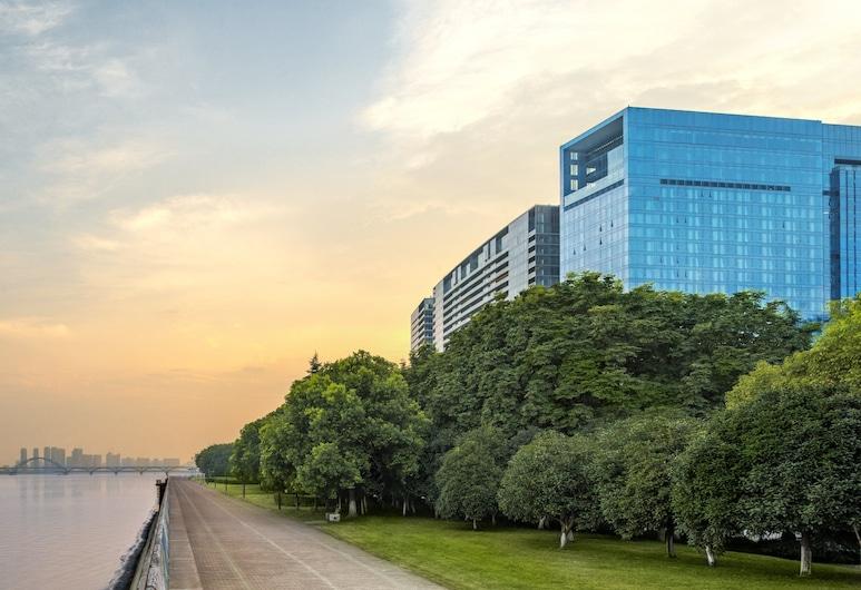 The Azure Qiantang, a Luxury Collection Hotel, Hangzhou, Hangzhou