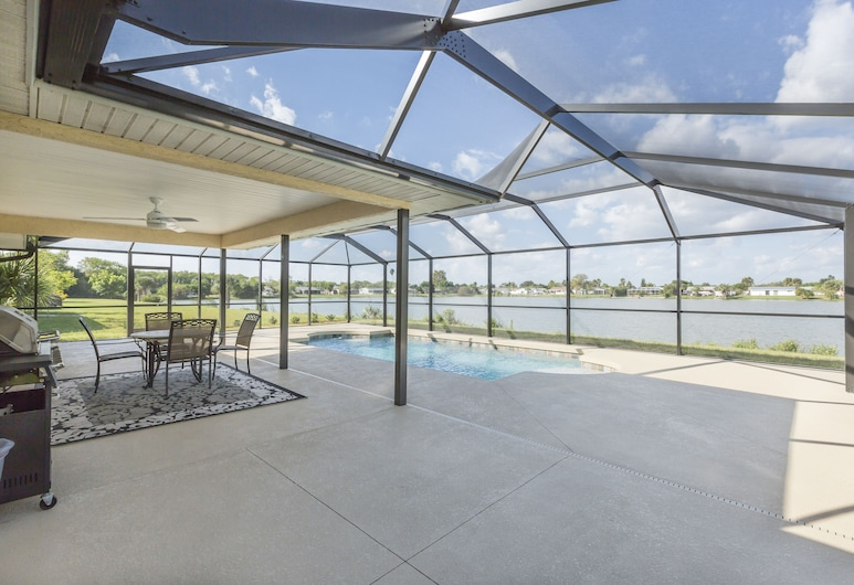 Lilsis by the Lake - Vacation Home, Port Charlotte, Baseinas