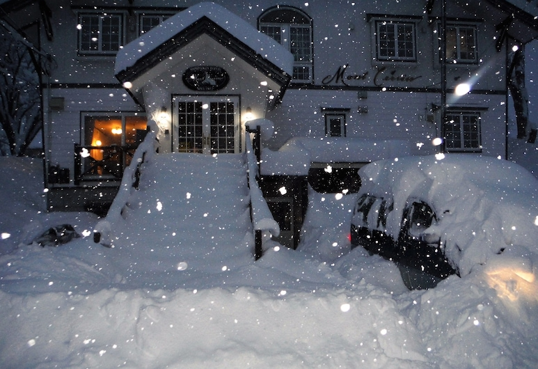 Mont Cervin, Myoko, Front of property - evening