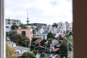Picture of Lantana Lodge - Hostel in Auckland