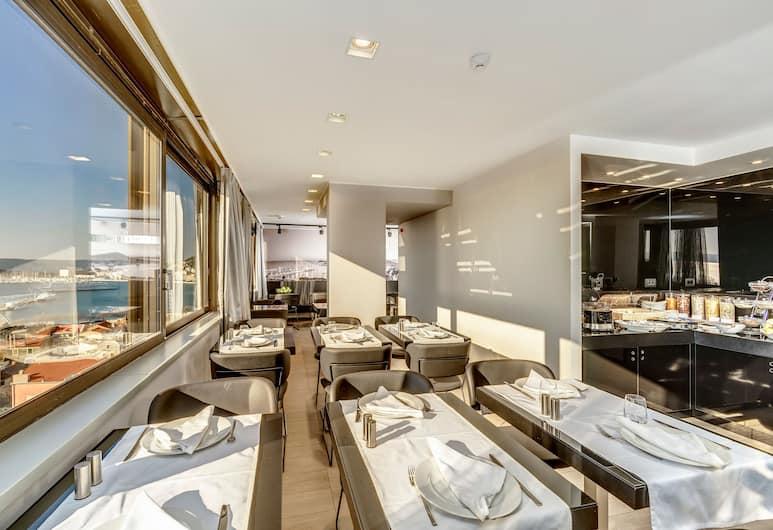 The View Luxury Rooms, Split, Frühstücksbereich