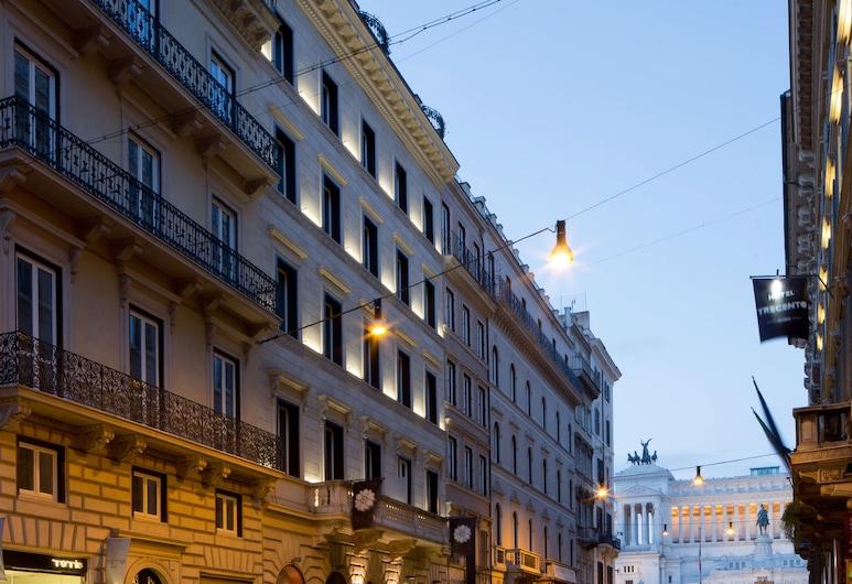 Via Del Corso Home, Rom, Hotellets facade - aften/nat