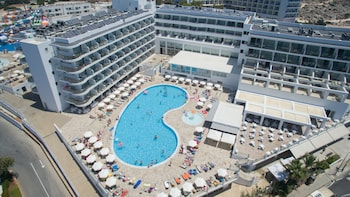 Picture of Tofinis Hotel in Ayia Napa