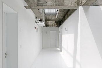 Gambar Small House Big Door di Seoul