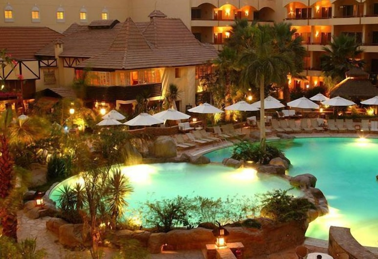 Hotel Amarante Pyramids, גיזה, בריכה חיצונית