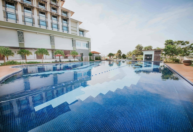 Ancasa Royale Pekan Pahang, Pekan, Piscina al aire libre