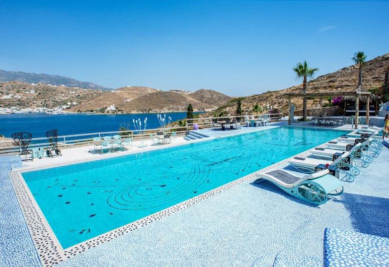 Agalia Luxury Suites, איוס, נוף מהמלון