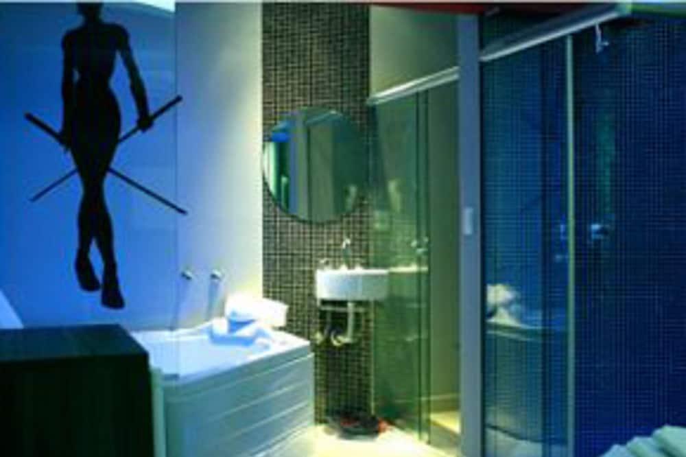 סוויטת גראנד, מיטה זוגית - חדר רחצה
