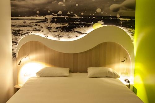 聖馬洛港宜必思尚品酒店/