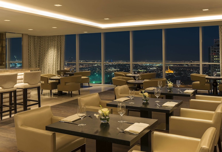 Sheraton Grand Hotel, Dubai, Dubai, Club-rum - tillgång till business lounge, Hotellbar