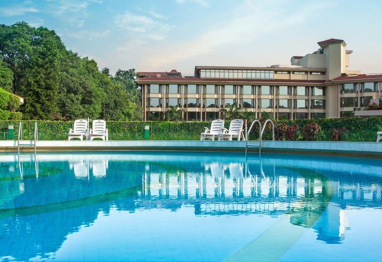 Hotel Mountview, Chandigarh, Lauko baseinas