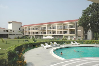 Picture of Hotel Mountview in Chandigarh
