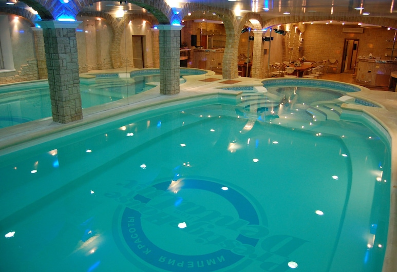 維羅納名譽之家飯店, 喀山, 室內游泳池
