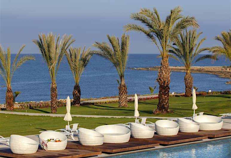 King Evelthon Beach Hotel & Resort, Paphos, Außenpool