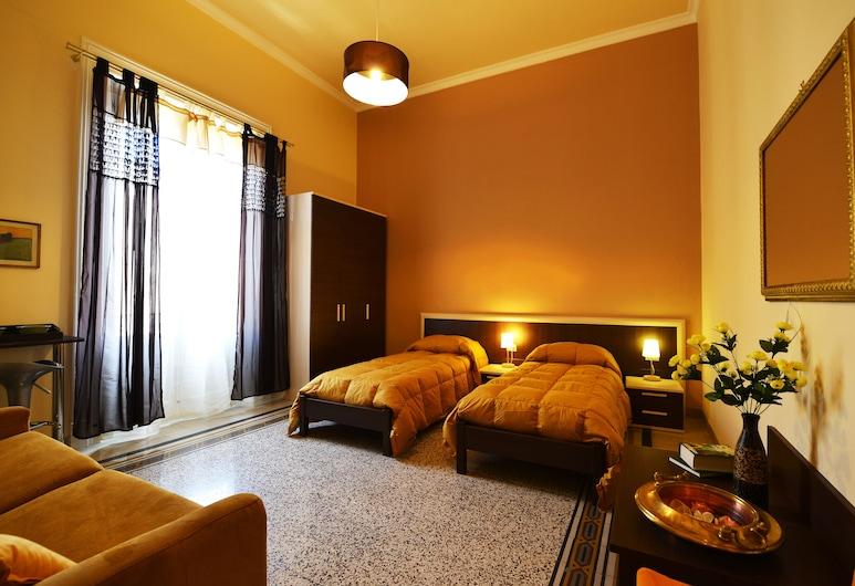174 Via Roma, Palermas, Keturvietis kambarys, balkonas, Svečių kambarys