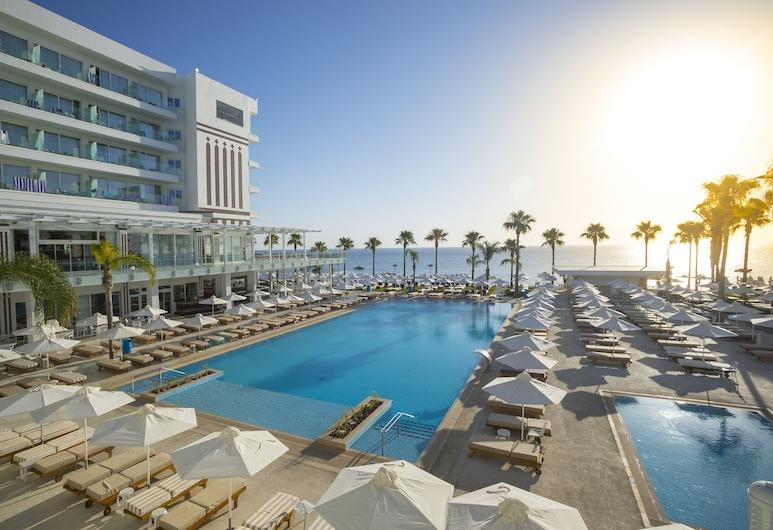 Constantinos The Great Beach Hotel, Παραλίμνι