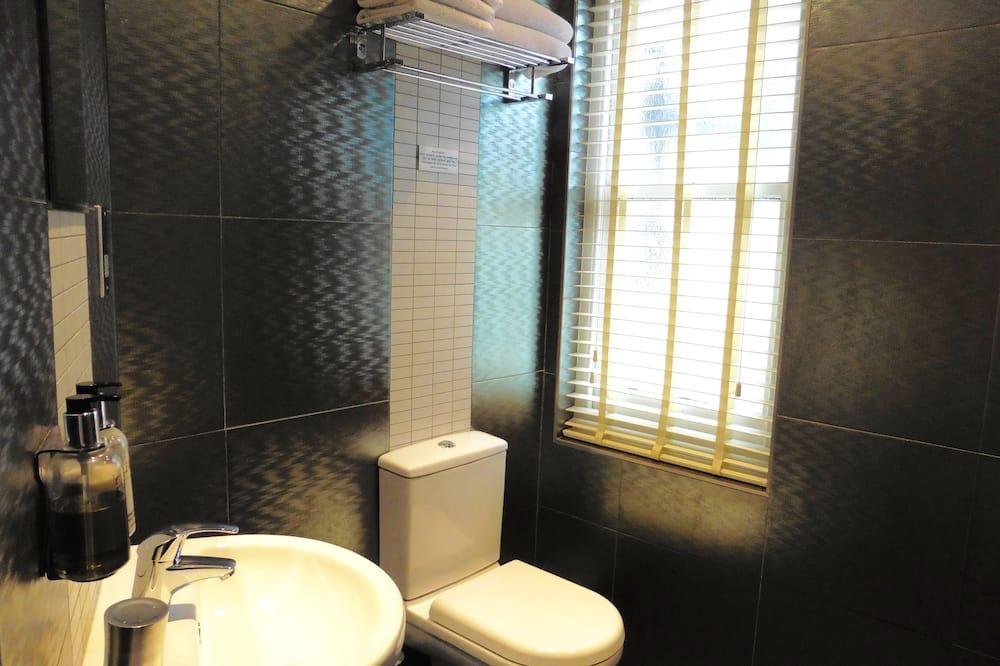 Dvokrevetna soba, s kupaonicom (Small) - Kupaonica