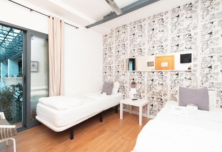 Lisbon Destination Hostel, Lisbon, Twin Room, Shared Bathroom, Bilik Tamu