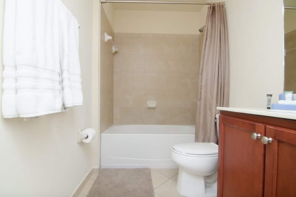 Apartament luksusowy, 3 sypialnie, przystosowanie dla niepełnosprawnych - Łazienka