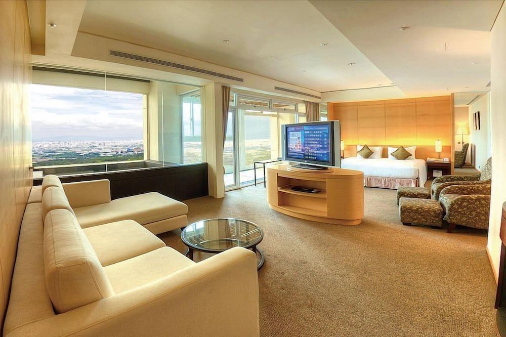 Deluxe Room, 1 Bedroom, Balcony, Tower - Living Area