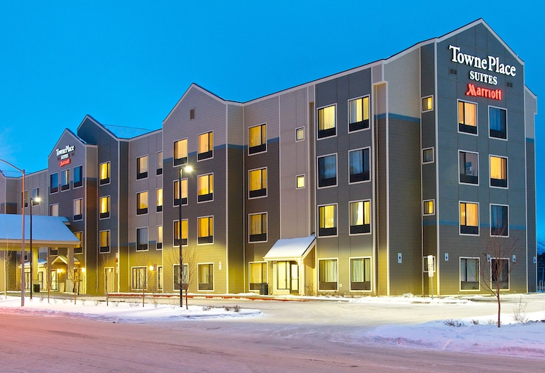 Towneplace Suites Anchorage Midtown, Anchorage, Hotel Front – Evening/Night