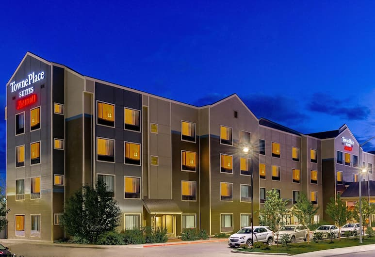 Towneplace Suites Anchorage Midtown, Anchorage, Exterior