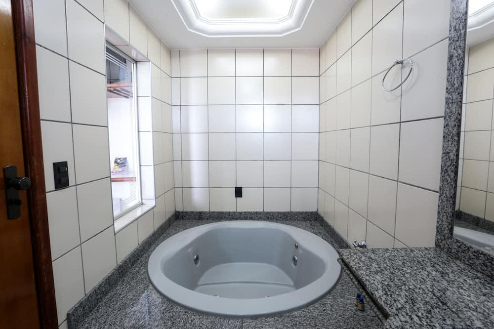 Superior Tek Büyük Yataklı Oda - Özel spa küveti
