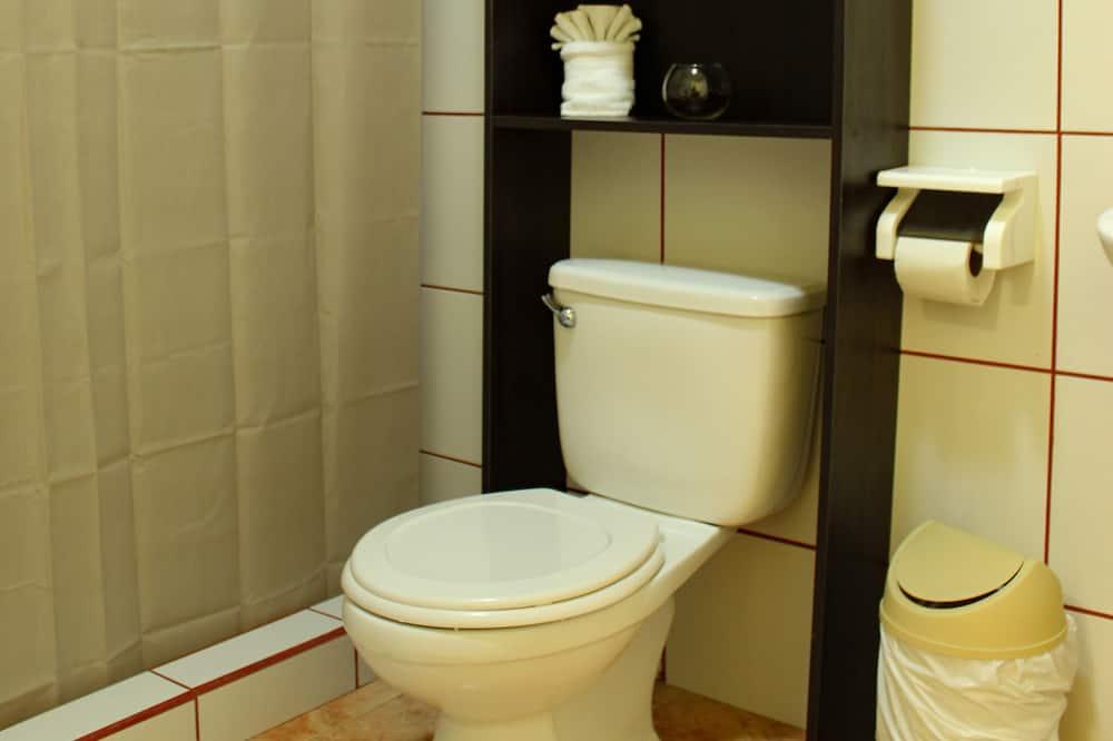 Bendrabutis šeimai - Vonios kambarys