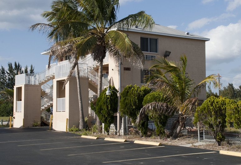 Tahitian Inn Motel, Pantai Kota Myers