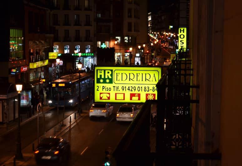 Hostal Edreira, Madrid, Bahagian Luar