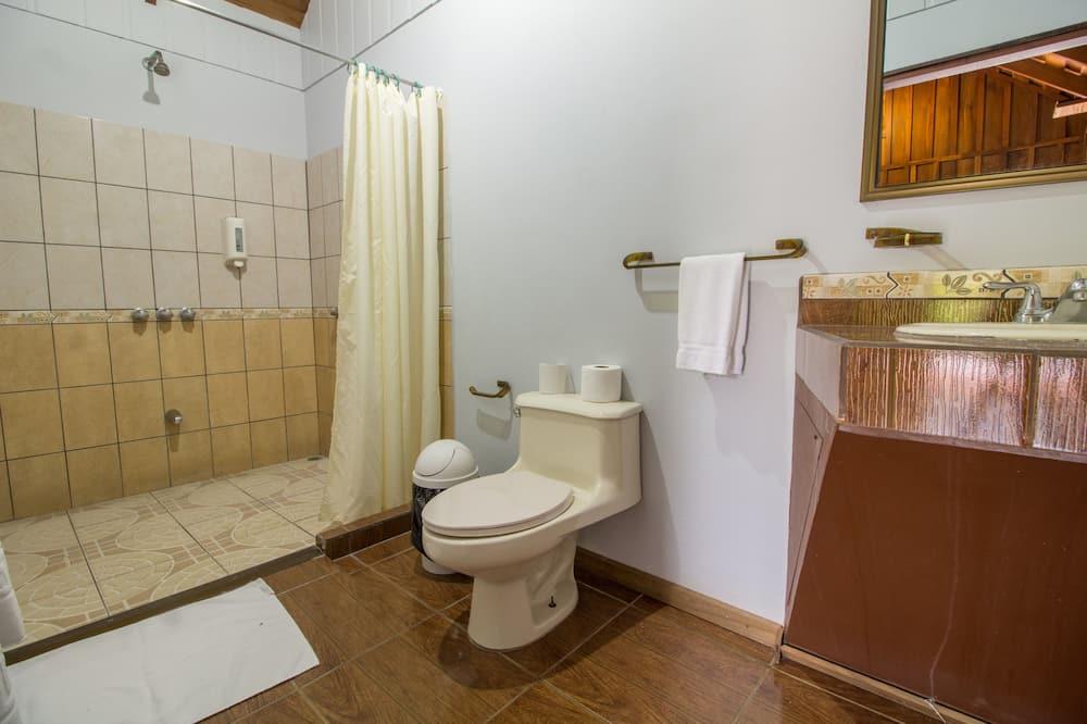 Trivietis kambarys, terasa - Vonios kambarys