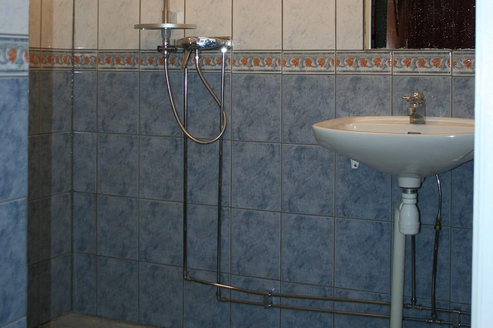 4 人部屋 共用バスルーム (Private WC) - バスルーム