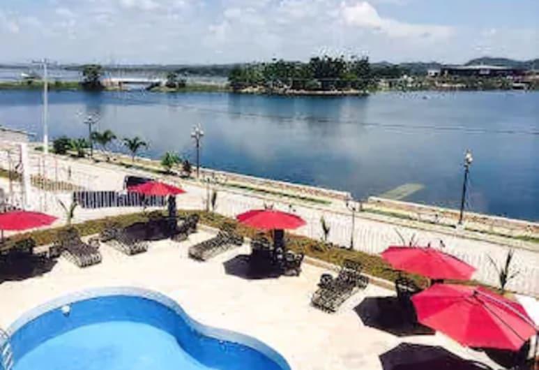 Ramada Tikal Isla De Flores Hotel, Flores, Baseinas
