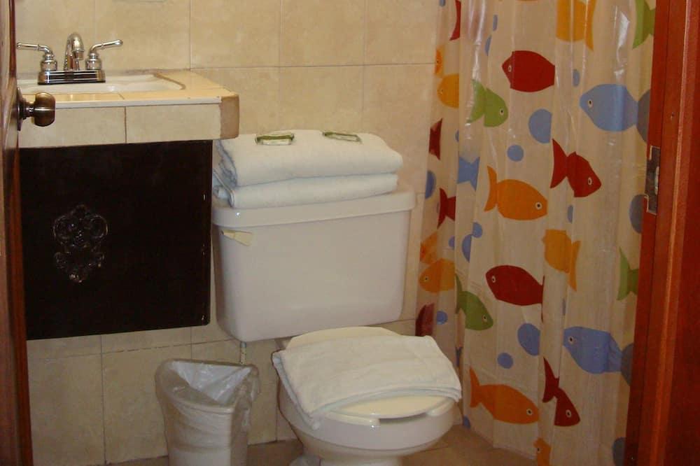 Standard Room, 2 Double Beds, Ground Floor - Bathroom