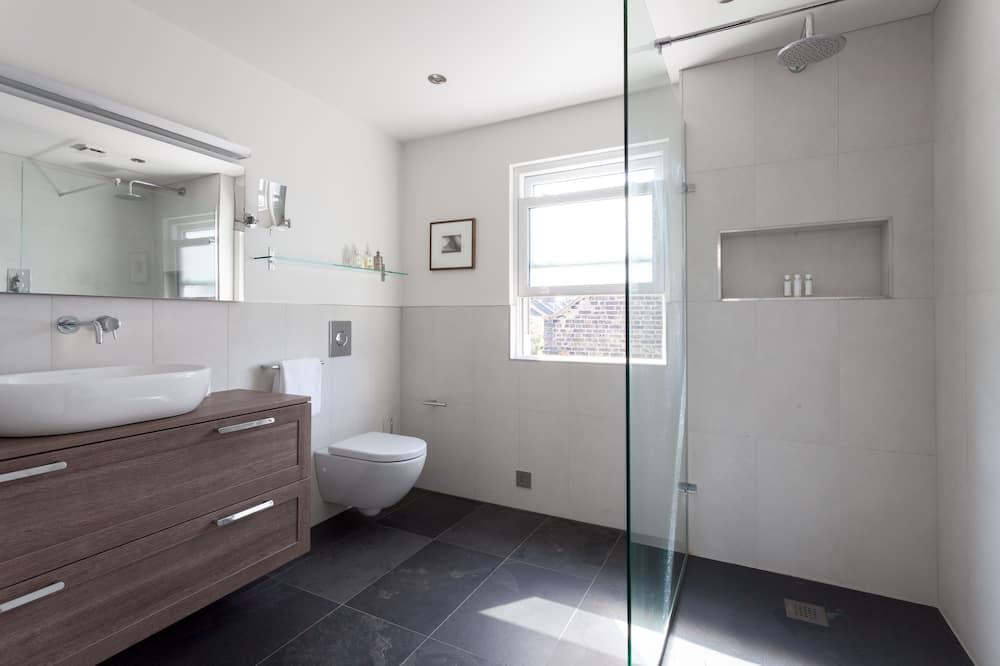 Apartment, 2 Bedrooms (Afghan Road) - Bathroom