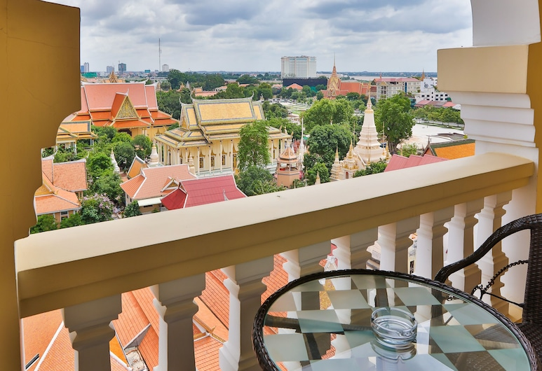 Palace Gate Hotel & Residence, Phnom Penh, Studio Double with City view, Balkon