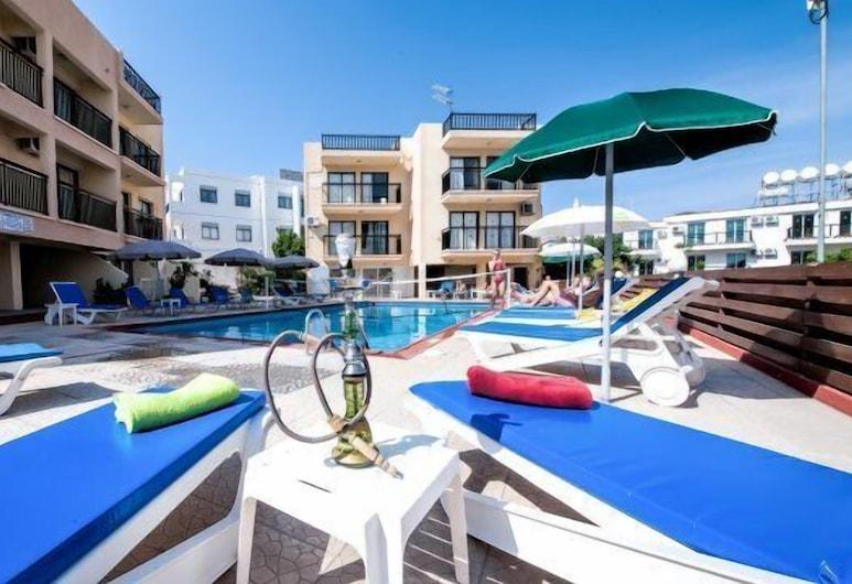 A. Maos Hotel Apartments, Ayia Napa, Havuz