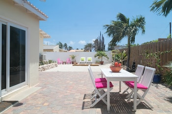 Picture of Pauline's Apartments Aruba in Noord