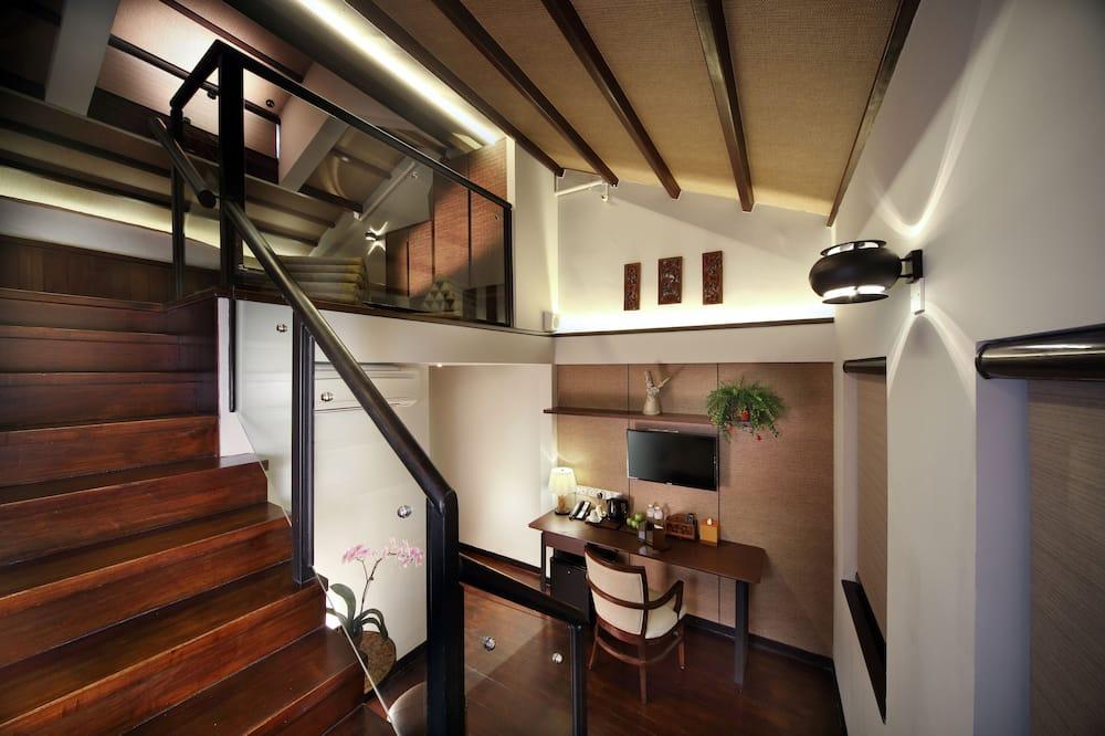 Loft Triple Suite - Living Area