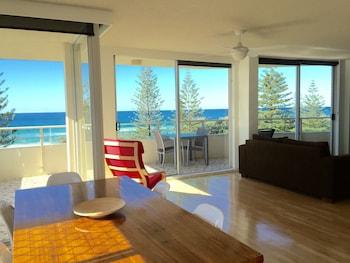 תמונה של Wyuna Beachfront Holiday Apartments בGold Coast
