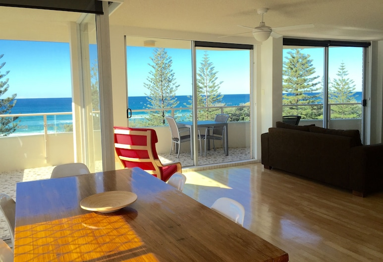 Wyuna Beachfront Holiday Apartments, Burleigh Heads