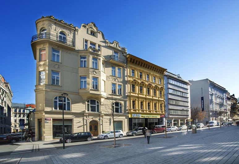 Golden Crown, Прага, Фасад отеля