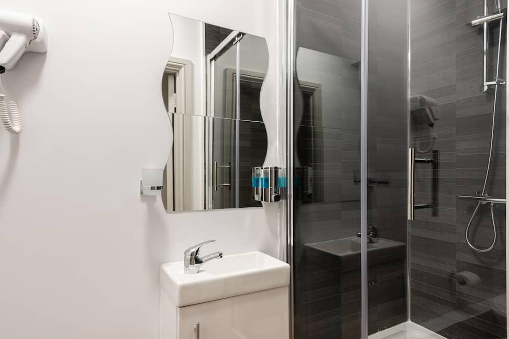 Comfort Triple Room, Private Bathroom - Bathroom