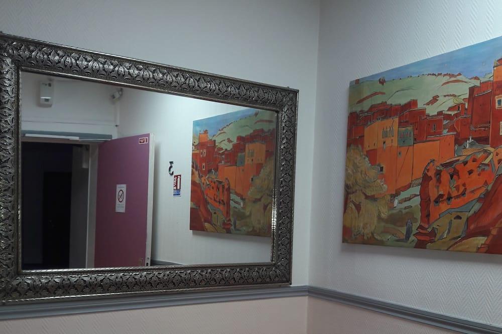 Single Room (shared toilet ) - Living Area