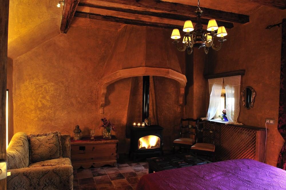 Suite, Terrace (Muralla Templaria) - Living Area