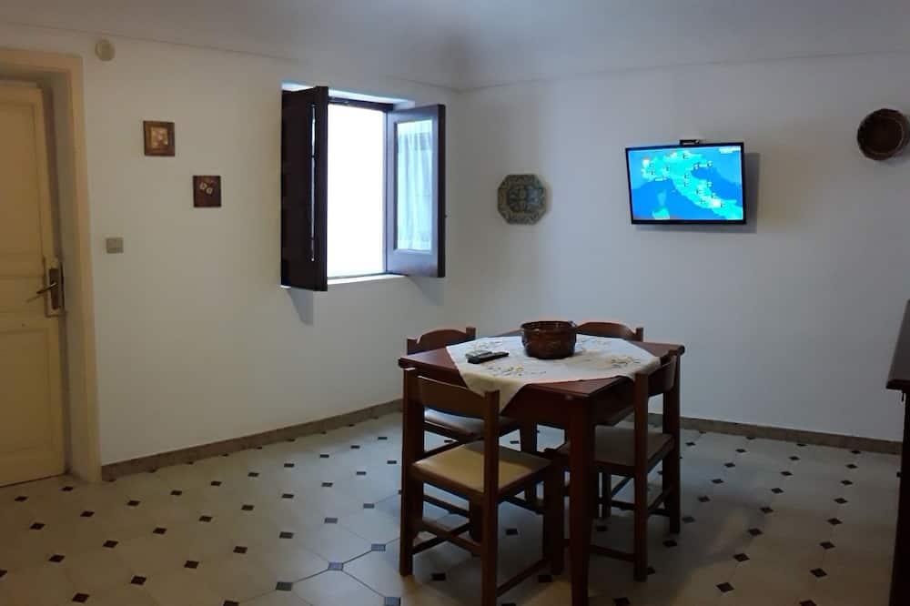 Standard Apartment, 1 Bedroom, Kitchen, Ocean View - In-Room Dining