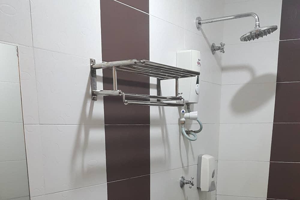 Twin Bed Room - Vannasistaba