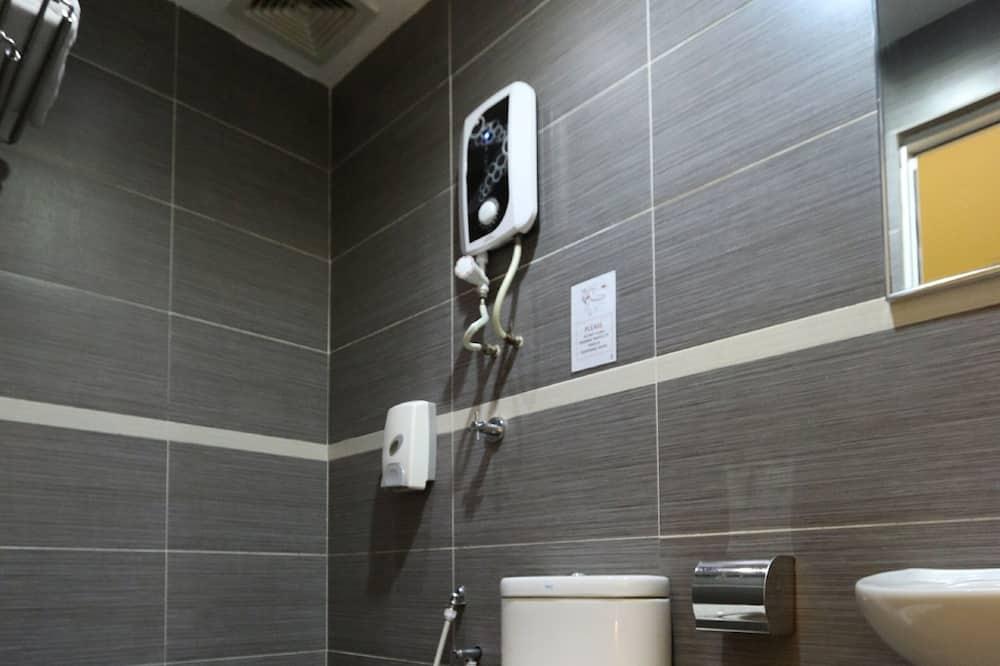 Standard Μονόκλινο Δωμάτιο - Μπάνιο